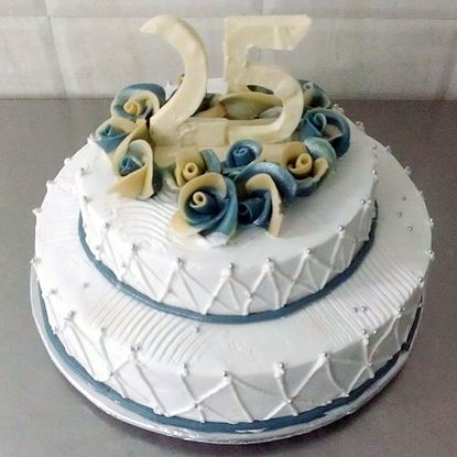 Picture of Radisson Anniversary Cake Double Deck (5Kg)